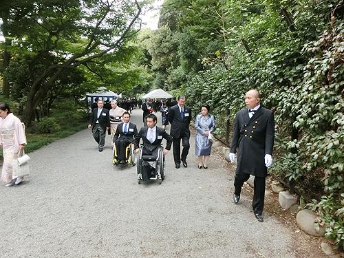 赤坂御苑の西門から入場しました