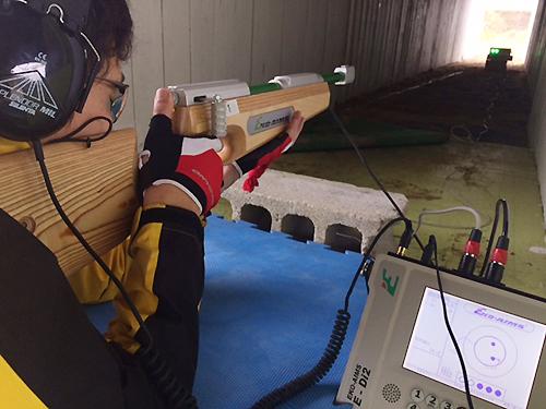 ブラインド高村選手の射撃4