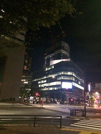 夜の日本財団ビル